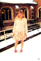 salmon rire boutique dress - ivory H&M sweater - red fake converse sneakers