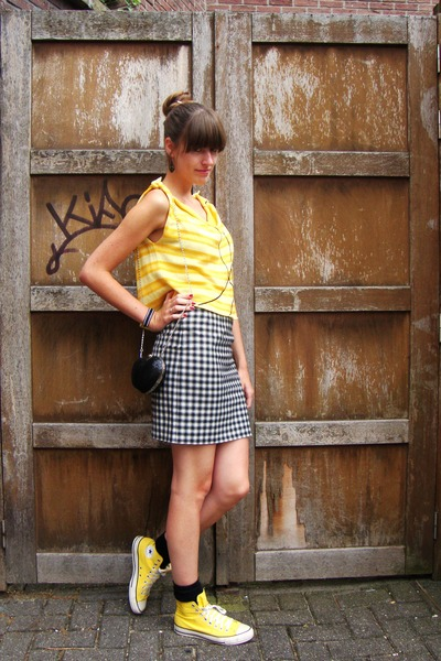 black heartshaped new look bag - yellow Converse shoes - black H&M socks