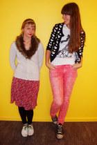 black Converse shoes - white H&M shoes - salmon H&M jeans - white H&M cardigan