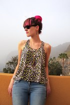 sky blue H&M jeans - black rayban sunglasses - yellow leopard print H&M top
