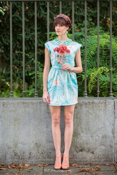 salmon H&M heels - light blue vintage dress - aquamarine collar H&M accessories