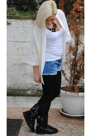 white Takko fashion sweater - black Metro boots - white H&M shirt