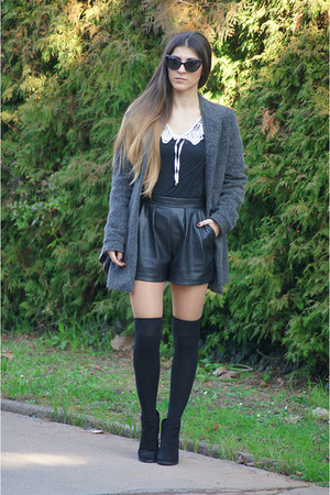 black Bershka shoes - black H&M shorts - black Freyrs sunglasses