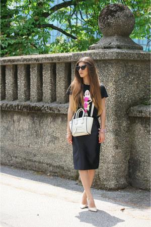 beige stilleto bag - black Freyrs sunglasses - black Zara t-shirt
