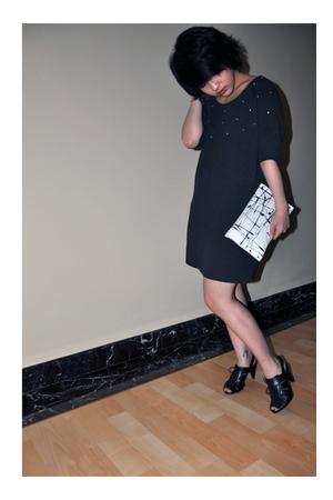 black shoes - gray dress - white purse