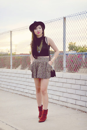 floral Forever 21 skirt - burnt orange suede vintage boots
