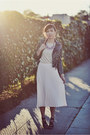 Light-pink-pleated-forever-21-skirt-eggshell-t-gap-t-shirt