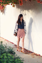 pink Missguided skirt - dark gray lace-up free people shirt