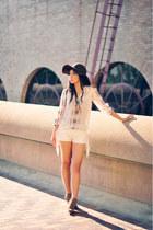 ivory quitled fringed Boohoo shorts - ivory peasant Zara blouse