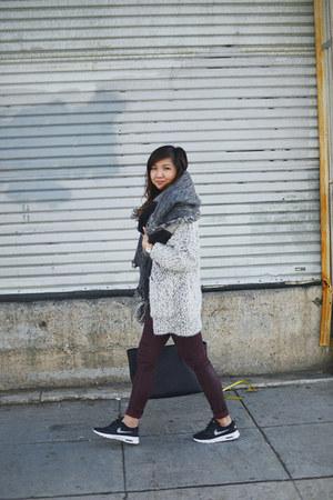 black nike shoes - maroon dl1961 jeans - heather gray Zara sweater