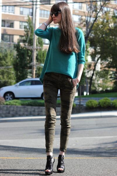 green Zara sweatshirt - black Juicy Couture sunglasses - black vera wang heels