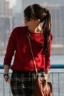Maroon-juicy-couture-bag-brick-red-gap-sweater-navy-juicy-couture-pants