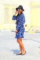 white bollywood shirt - blue bollywood dress - black Forever 21 hat