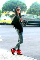 black Marc by Marc Jacobs sunglasses - red Isabel Marant Inspired sneakers