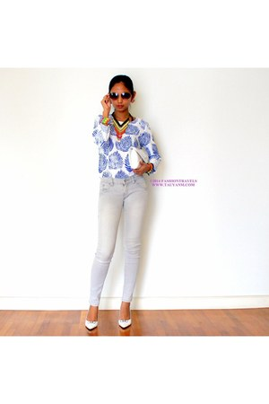 blue Oasapcom blouse - white ninety 9000 shoes - heather gray jeans
