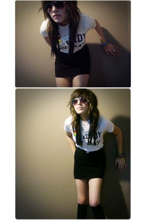 white Hot Topic shirt - black thifted skirt - Vans glasses