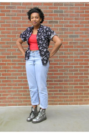 red American Apparel shirt - silver doc martens boots