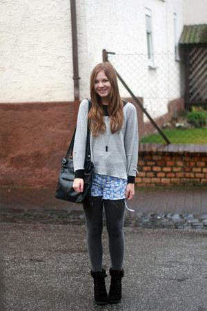 vintage shorts - Primark boots - H&M shirt
