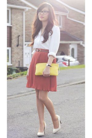 salmon pleated Missguided skirt