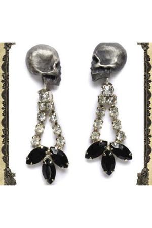 Julia De Ville accessories -