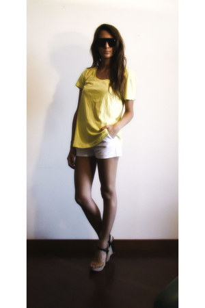 camel Aldo shoes - white Zara shorts - dark brown H&M sunglasses - yellow H&M t-