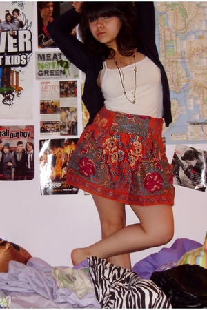 forever 21 skirt - Urban Outfitters necklace - Old Navy top - H&M sweater