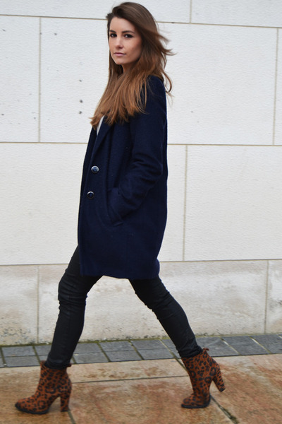 Dark Brown Zara Boots - How to Wear and Where to Buy | Chictopia