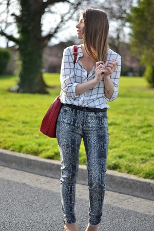 dark gray Zara jeans - off white Forever 21 shirt