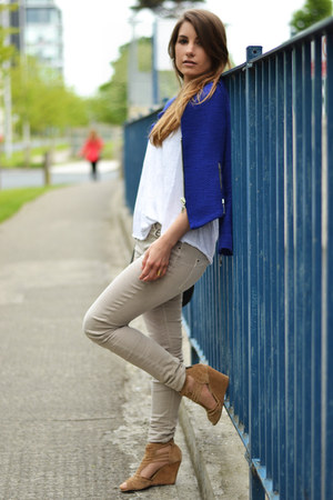 blue Zara jacket - white Stradivarius t-shirt