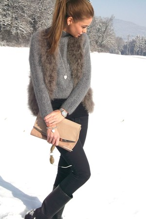 grey feathers Zara vest - Aigle boots - vintage sweater - Zara bag