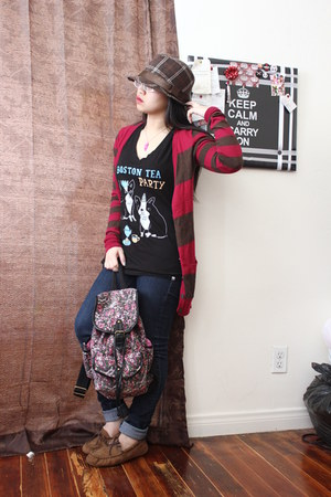 hot pink decree cardigan - black New Standard shirt - bubble gum Bag bag