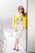 light yellow linen MaxMara scarf - white checkered Zara skirt