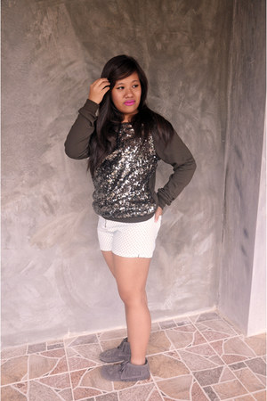 dark green sparkly Forever21 sweater - heather gray Call it Spring boots
