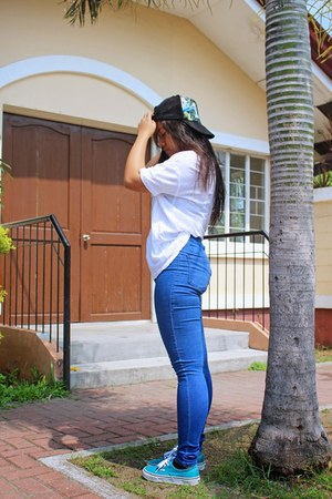 navy Topshop pants - white cotton on shirt - teal Vans sneakers