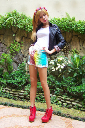 rainbow Vanilla Breeze shorts - red spiked She Goddess boots