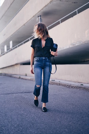 Express shirt - navy cropped flare Express jeans