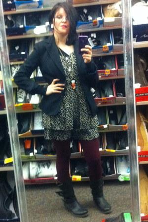 black Charlotte Russe boots - black side pockets Gap blazer