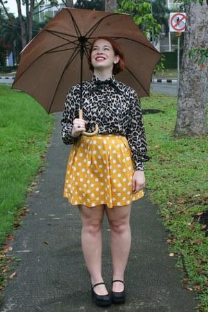 black animal print ann taylor shirt - gold polka dot modcloth skirt