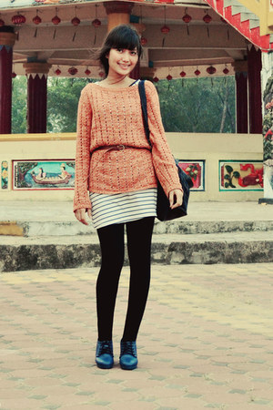 Esprit sweater - Guess bag - Adorable Projects wedges