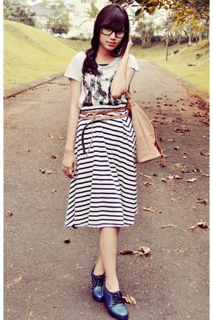 stripes vintage skirt - tan Louis Vuitton bag - printed vintage t-shirt