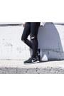 Roshe-run-nike-sneakers-obey-sweatshirt