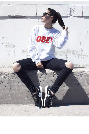 roshe run nike sneakers - obey sweatshirt