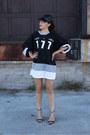 Pvc-le-chateau-hat-black-zara-sandals-black-jersey-cmla-top