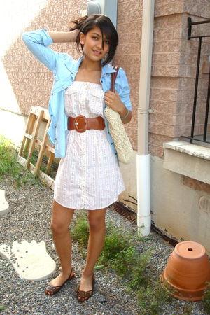 beige H&M purse - blue American Eagle shirt - brown American Eagle shoes - white