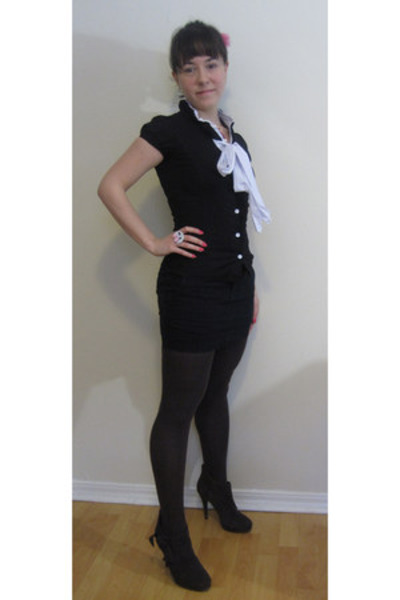 cameo necklace The Candy Shoppe necklace - tights sears leggings