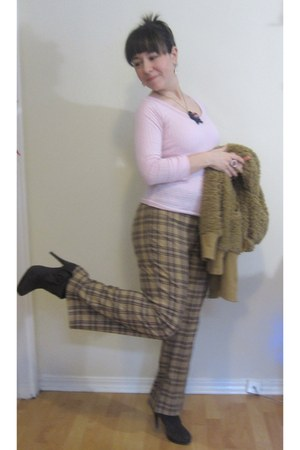 brown soft on line hoodie - pink polka dot thrifted top - light brown plaid Jaco