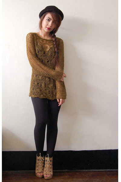 tan Parisian shoes - black bowler SM hat - green thrift bar sweater