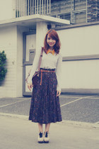 vintage skirt - thrifted shirt - Parisian bag - Ferretti clogs