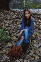 blue mags top - brown thrifted - brown thrifted boots
