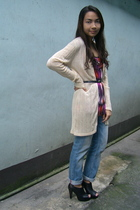 mango printed top - moms vintage sweater - random boyfriend jeans - parisian stu